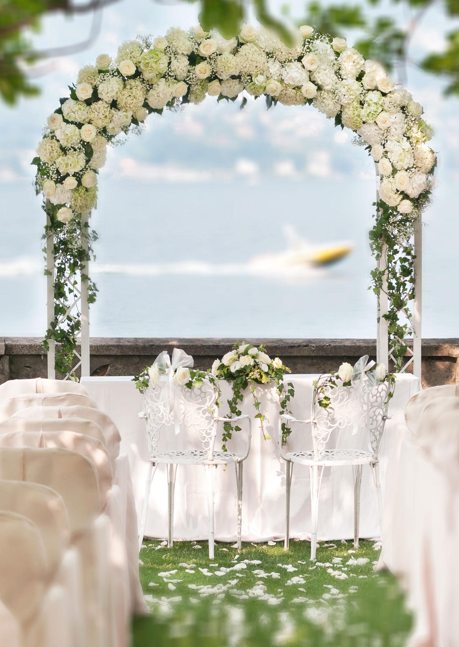 Decorazioni floreali per matrimonio civile giuseppina - Archi per giardino ...