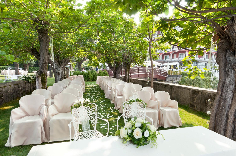 Decorazioni floreali per matrimonio civile giuseppina for Decorazioni giardino