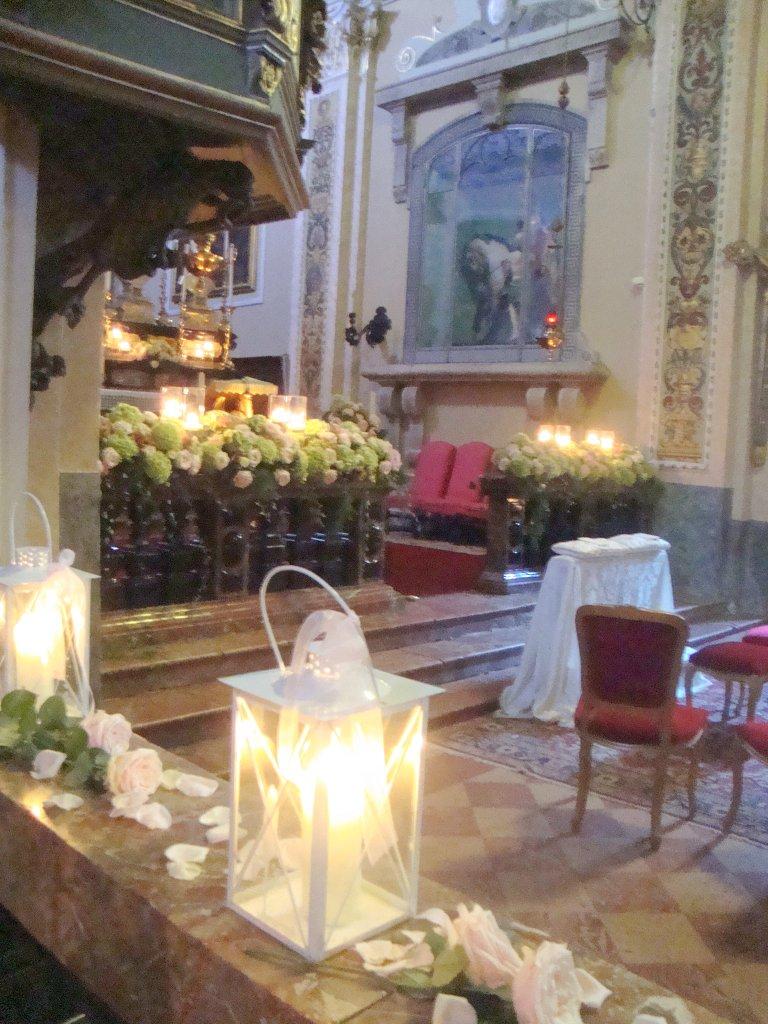 Tema Matrimonio Candele E Lanterne : Fiorista per matrimonio in chiesa sul lago maggiore